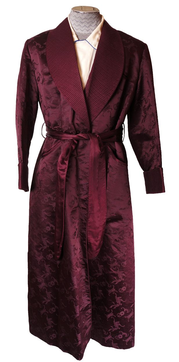 8103c5638a Vintage 1940s Mens Silk Dressing Gown Tailor Made in Hong Kong Size ...