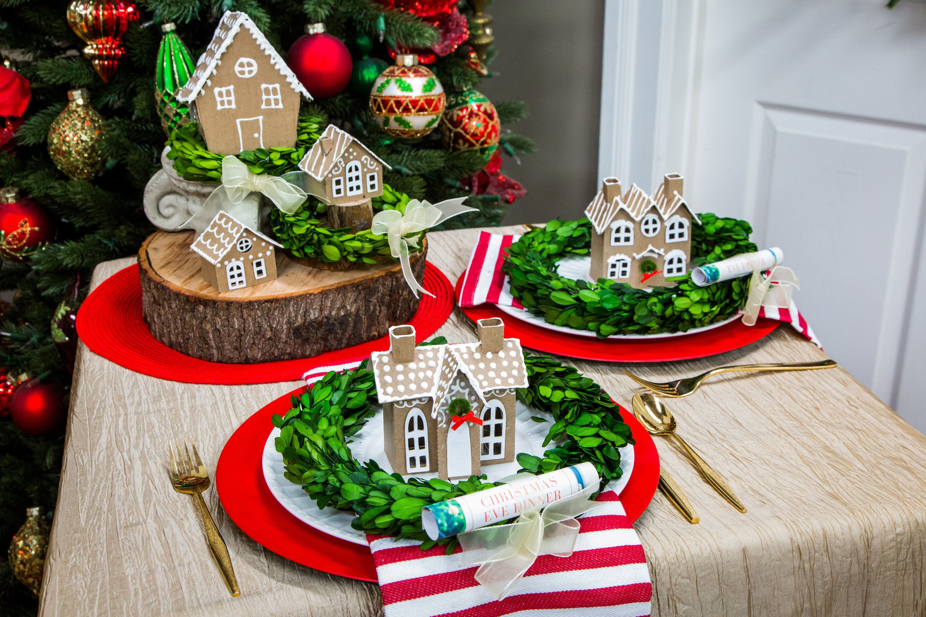 252bd3223f3a Maria Provenzano is getting into the Christmas spirit with these adorable  place settings.