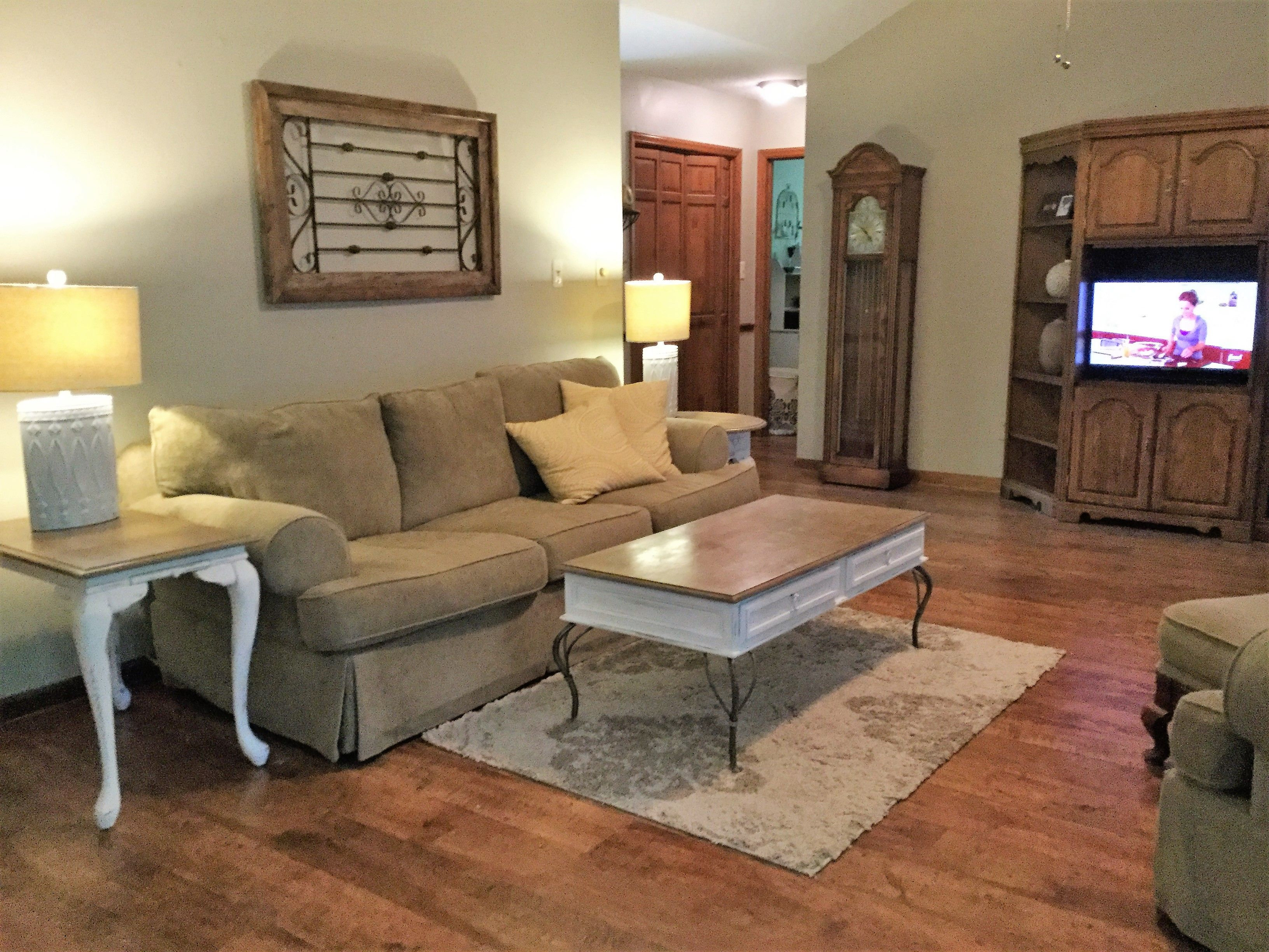 Columbia Traditional Clic Old Oak Place Laminate Flooring In