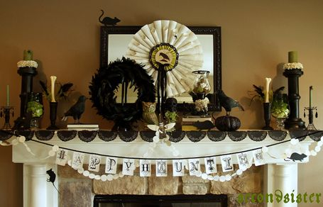 4_halloween-mantel-ideas Halloween Pinterest Mantle and