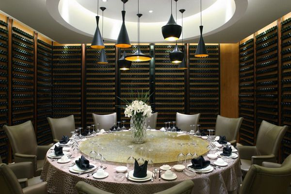 Contemporary Restaurant Design With Exclusive Vip Round Dining Table At Yuwan Restaurant By Nota Design Restaurant Design Architect Design Private Dining Room