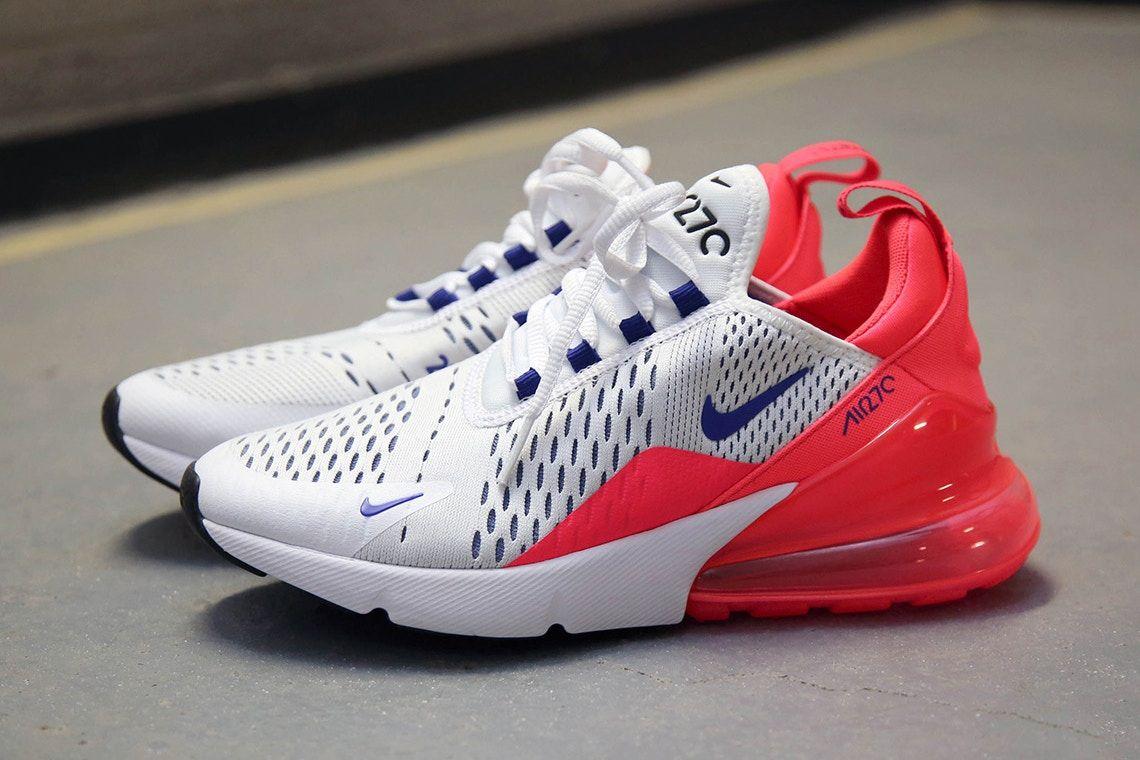 half off 2a125 a22ad Nikes Air Max 270