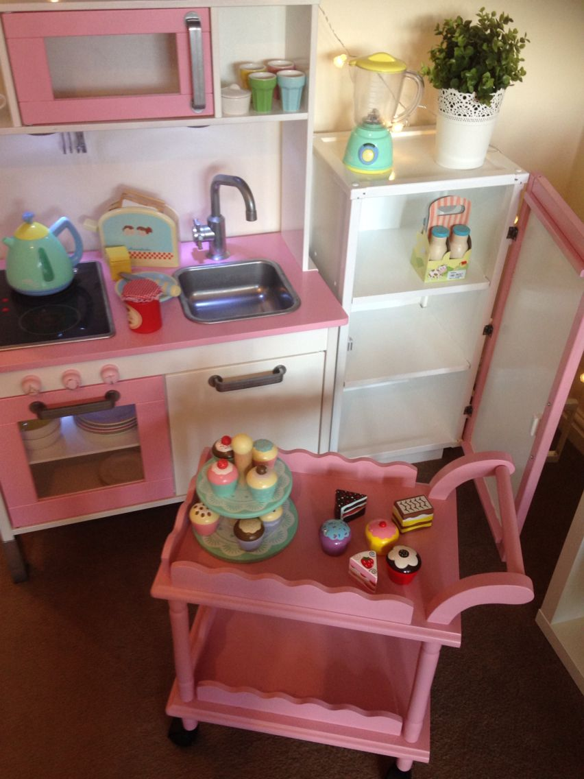 servierwagen vielleicht nicht unbedingt in rosa kaufmannsladen spielk che pinterest. Black Bedroom Furniture Sets. Home Design Ideas