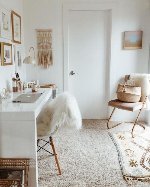 Muted Neutrals In Office Minimalist Decor Minimal Home Decor Ideas
