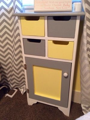 Grey White And Yellow Side Table In Federal Way, WA (sells For $40)
