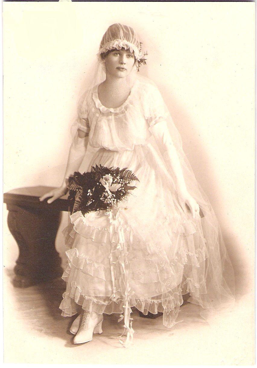 I love old pictures vintage weddings pinterest vintage