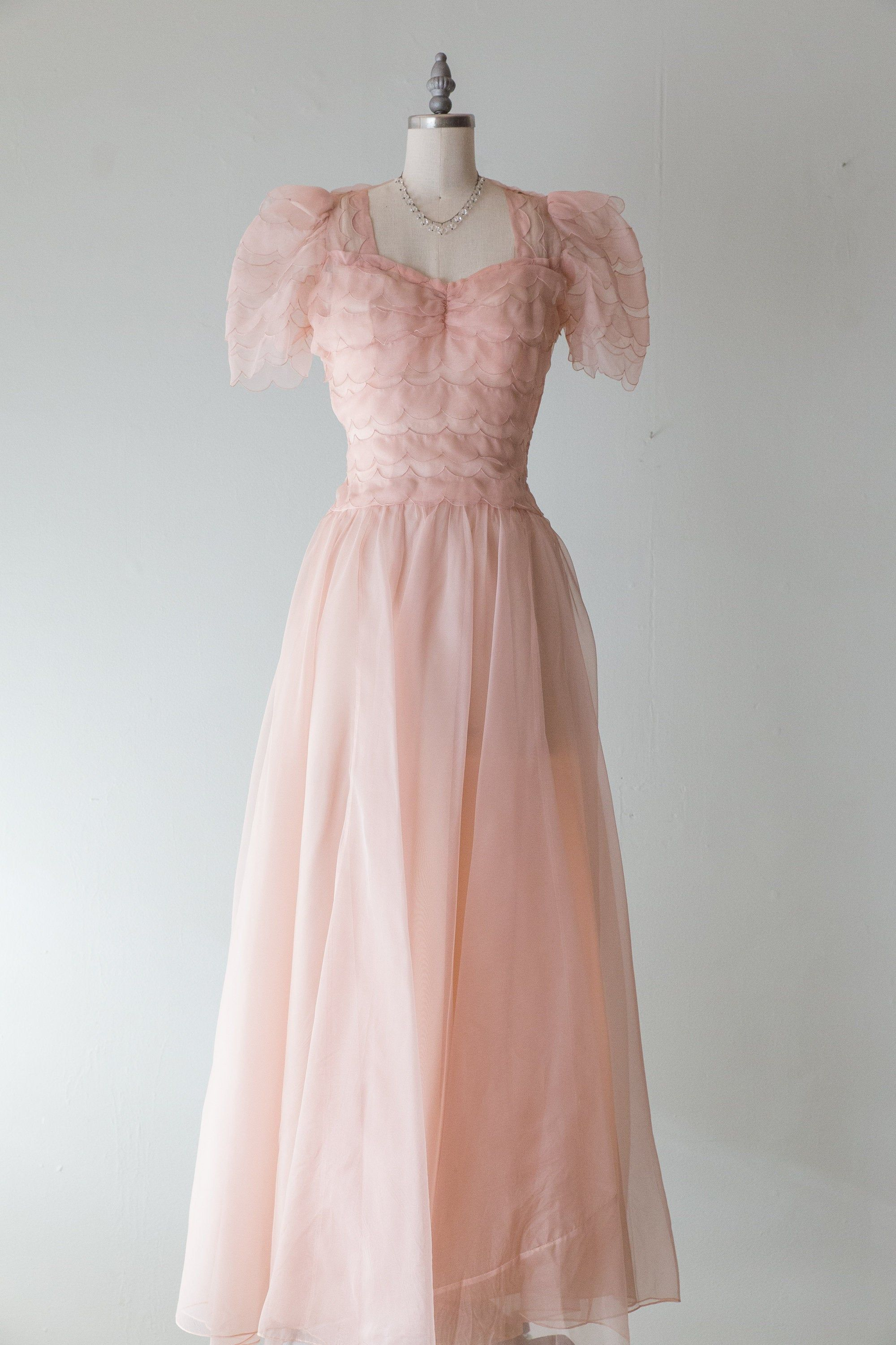 Vintage 1930s Dress 30s Ethereal Pale Pink Silk Organza Evening Dress With Scalloped Bodice And Full Skirt Vintage 1930s Dress 1930s Dress Gorgeous Dresses [ 3000 x 2000 Pixel ]