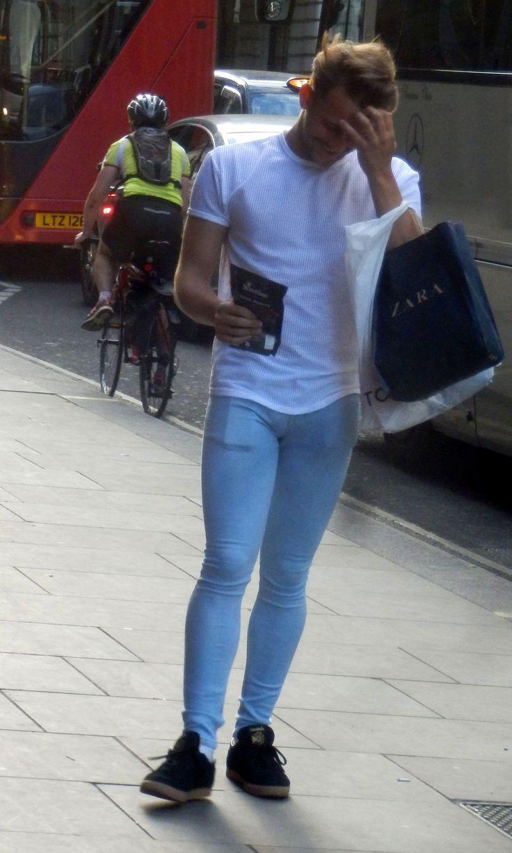 Men In Tight Skinny Jeans - Xtellar Jeans