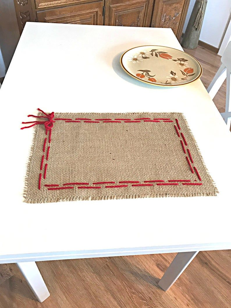 Burlap Placemat Set Christmas Placemats Rustic Placemats Etsy In 2020 Christmas Placemats Rustic Placemats Christmas Table Decorations