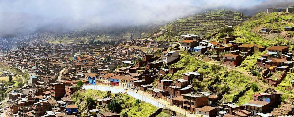 A la découverte de Cuzco ! Cette ville du Pérou située à 3400 mètres d'altitude, a été fondée au XIIème siècle et associe harmonieusement l'architecture inca et espagnole ! - #easyvoyage #easyvoyageurs #clubeasyvoyage #terresdevoyages #travel #traveler #traveling #travellovers #voyage #voyageur #holiday #holidaytravel #tourism #tourisme #perou #peru #cuzco