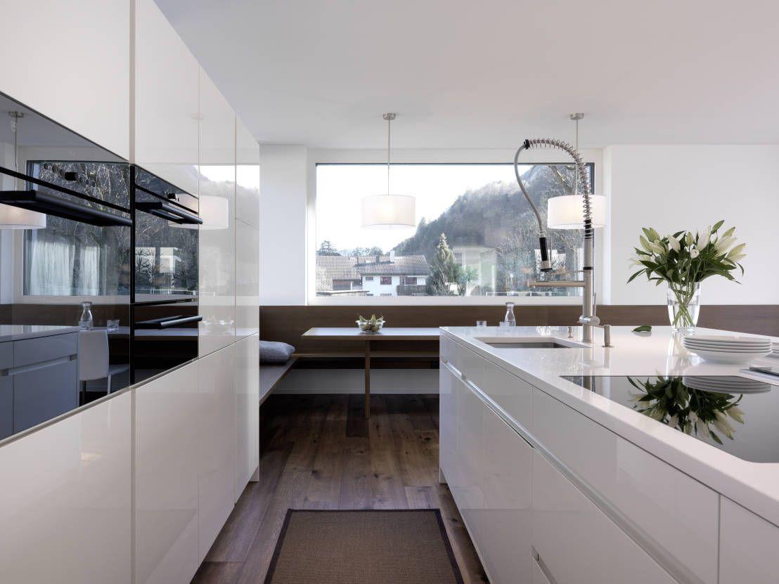 wie gestalte ich meine k che mit feng shui innenarchitektur geometrische treppen und mehr. Black Bedroom Furniture Sets. Home Design Ideas