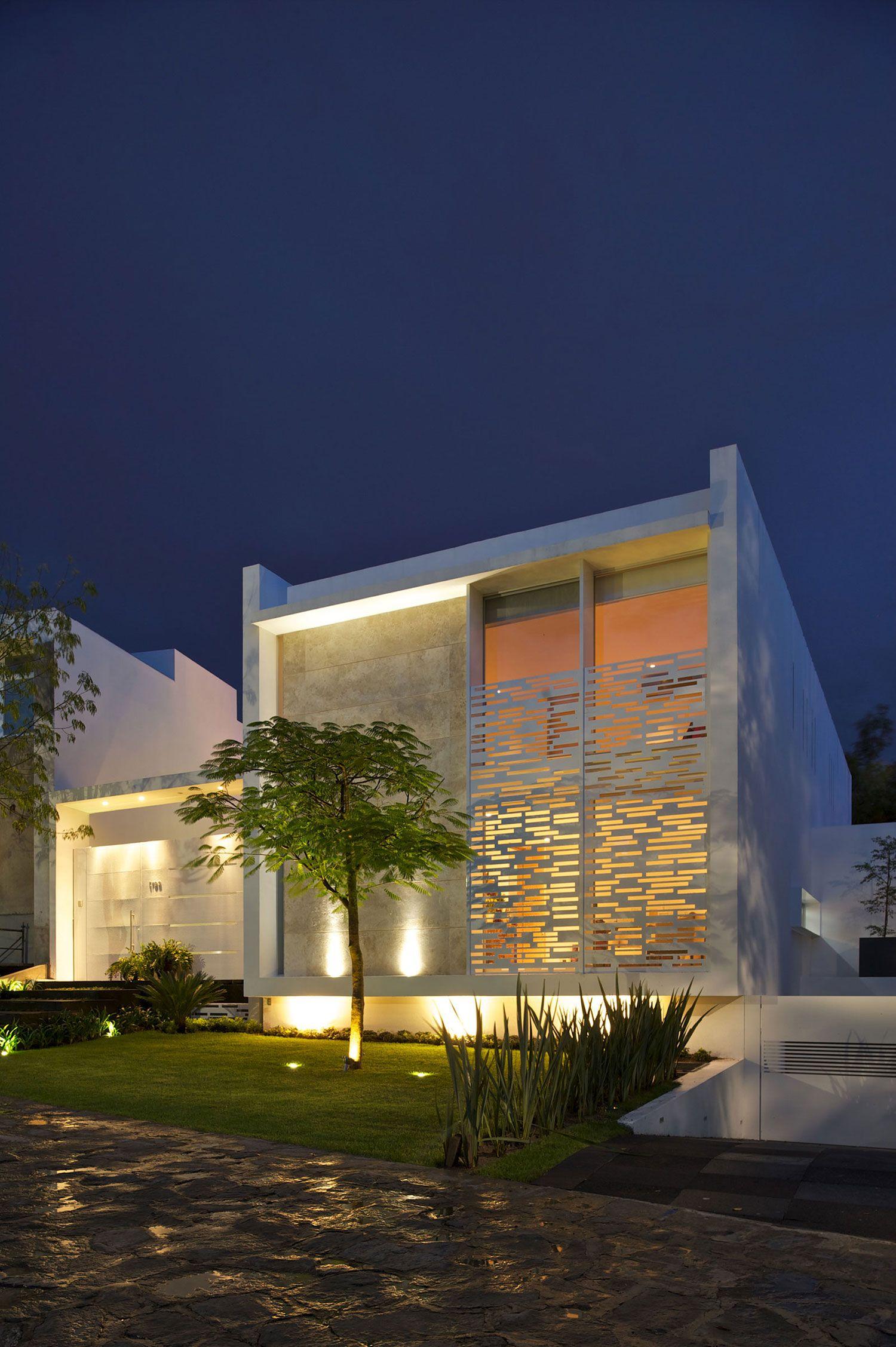 Casa natalia by agraz arquitectos