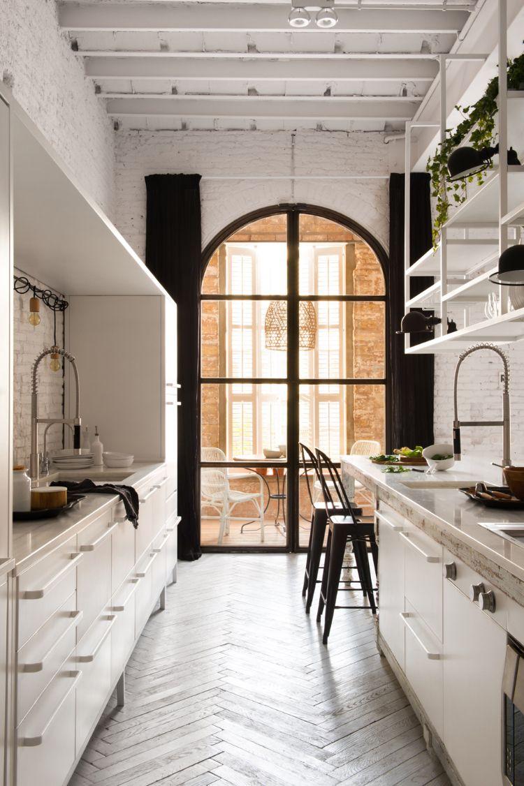 küche industrial chic weiße backsteinwand gewölbedecke rustikal ...