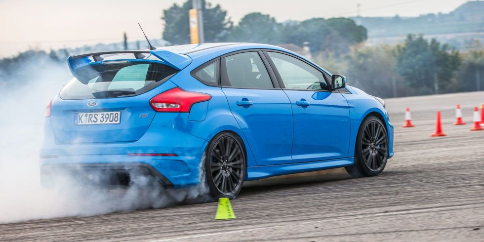 The 2017 Ford Focus Rs Is A Track Car Disguised As A Practical