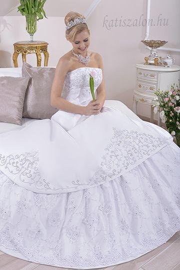 18eac21215 Kollekció - Kati Szalon | Beautiful wedding dresses and cakes with ...