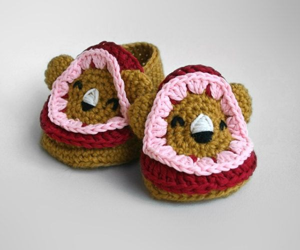 Leo the lion baby booties crochet pattern by Luz Patterns ...