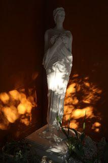 Dorure-Tableaux-Faux marbres: Restauration d'un ensemble de statues et bas-relie...