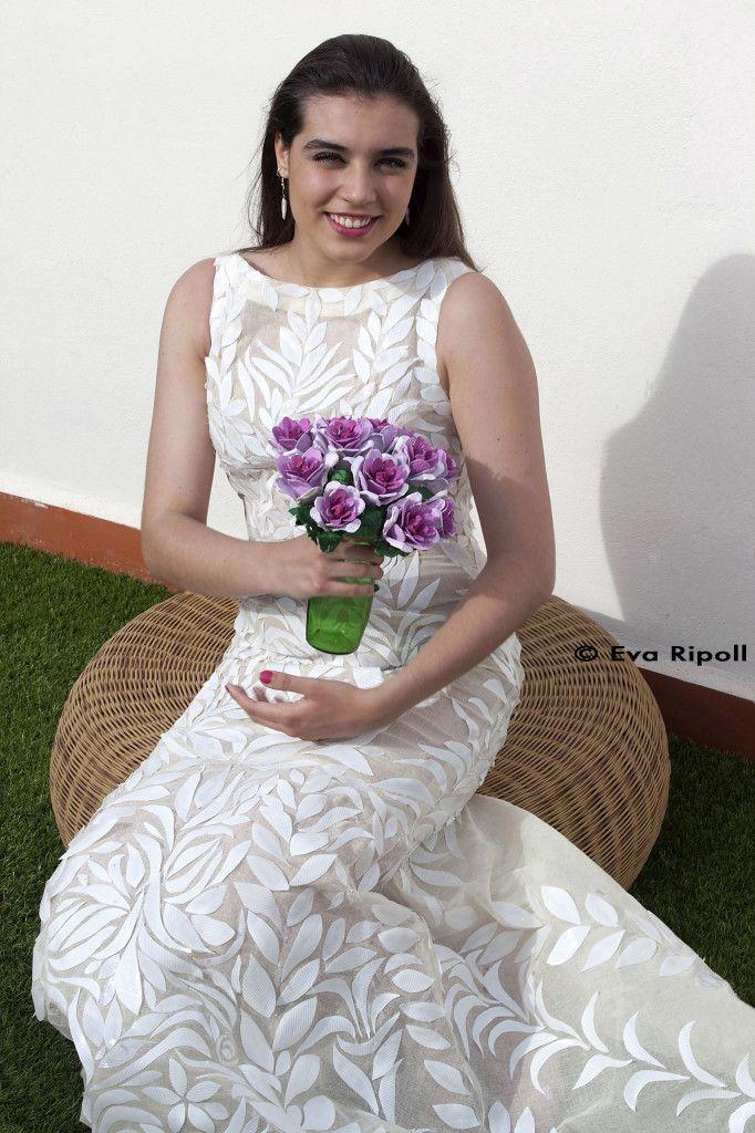 vestido de novia con vasos de plástico desechable | manualidades con