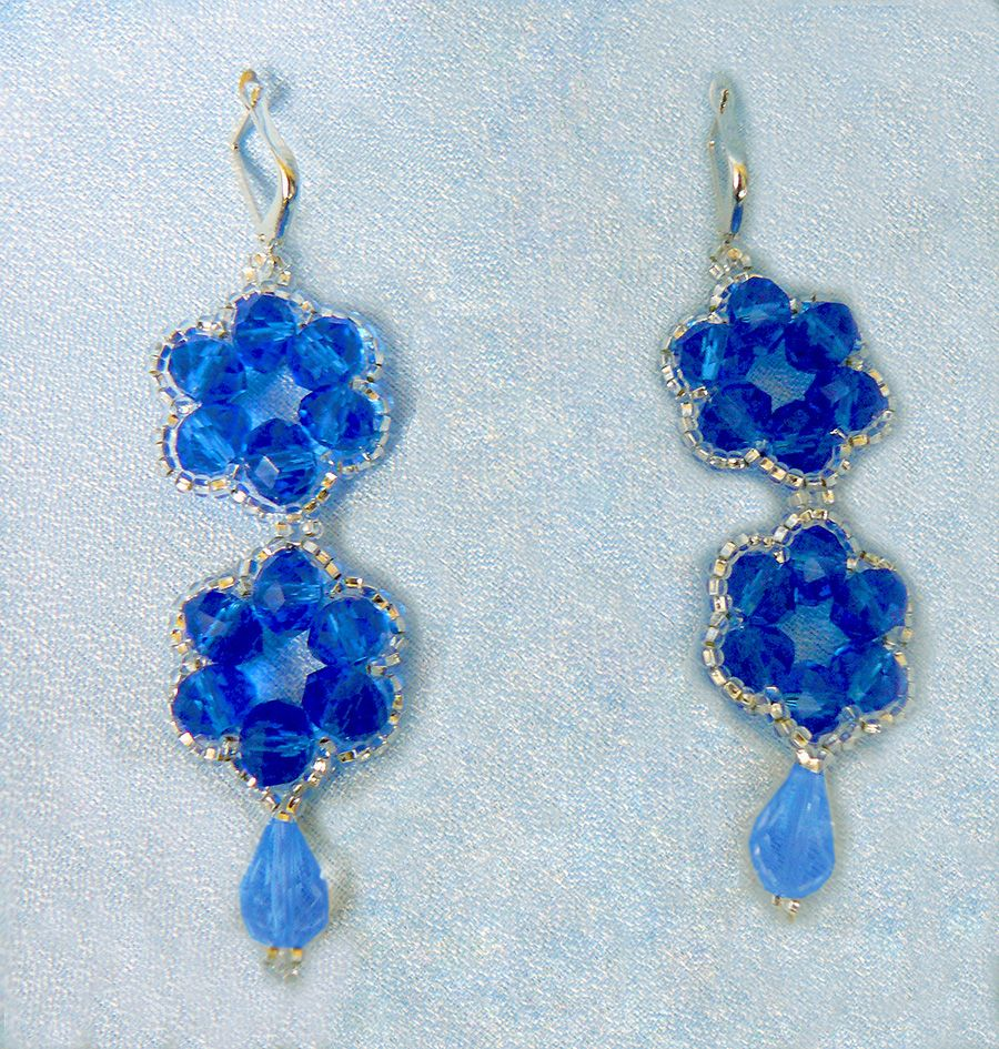 Free pattern for earrings Blue Flowers Click on link to get pattern ...