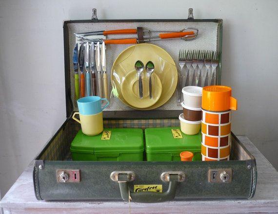 RESERVED for Meg - Vintage - Picnic in a Suitcase | Vintage i ...