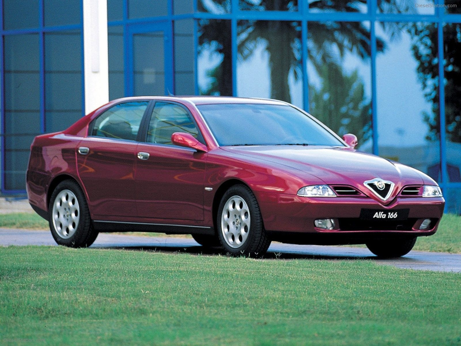 Autocarpedia Com New And Used Cars Online Wallpapers Alfa Romeo Alfa Romeo Cars Used Cars Online