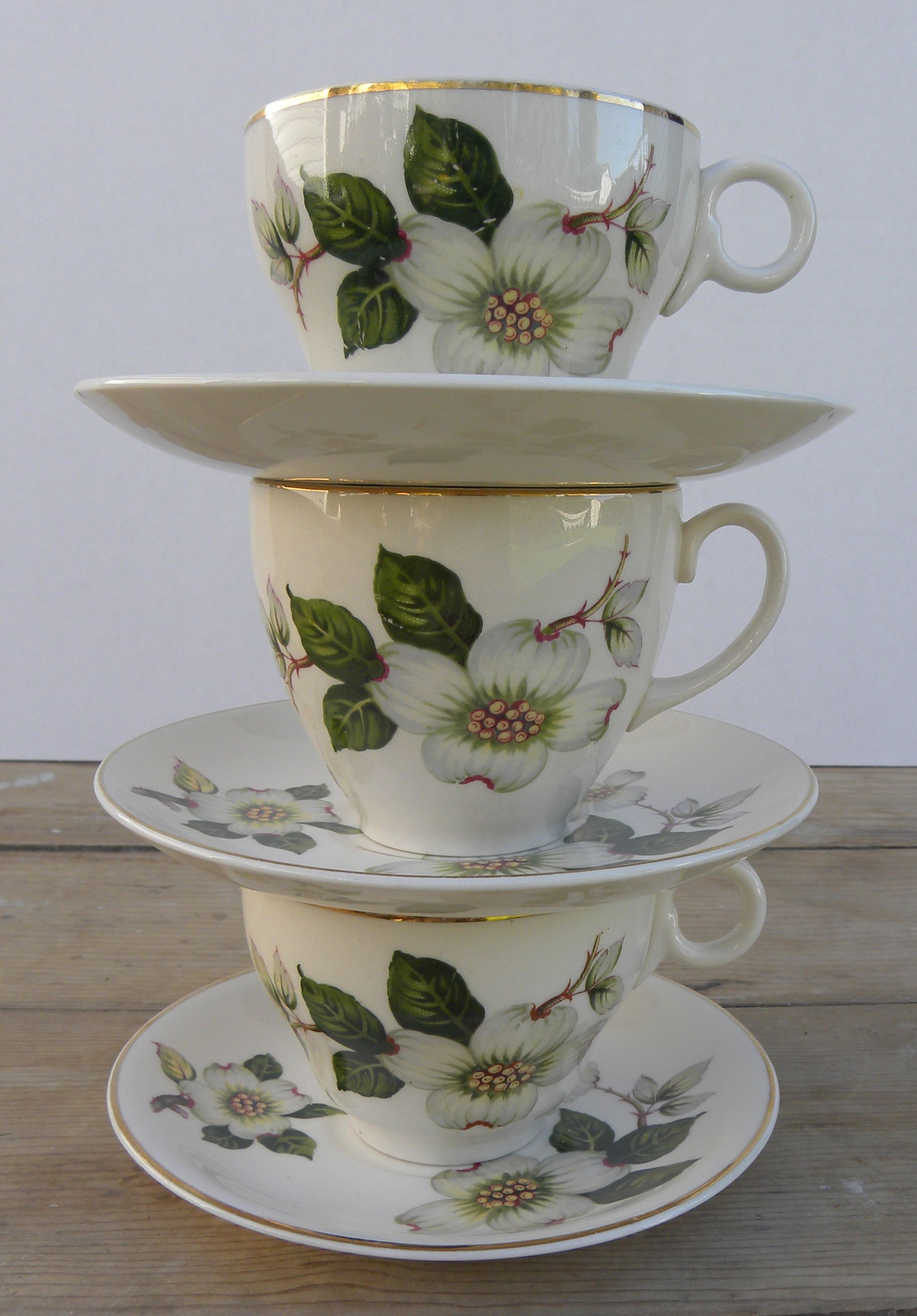 Lovely Dogwood tea cups, find on Etsy, The DH Collection
