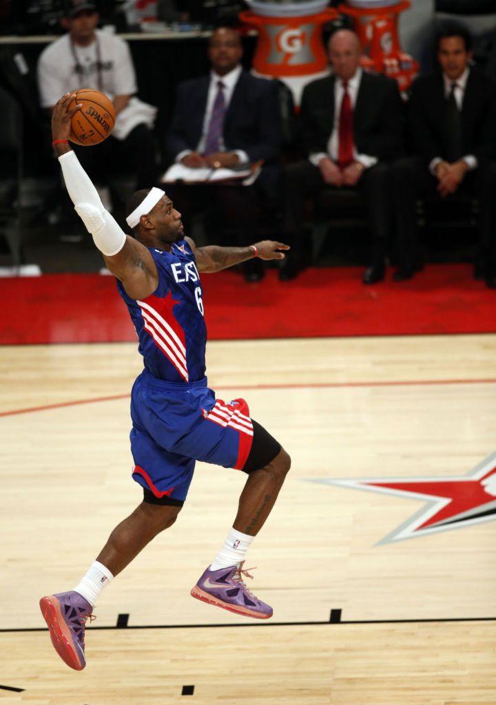 sale retailer aab80 2a24f lebron wearing lebron 10   LeBron James wearing Nike LeBron X All-Star Area  72 (1)