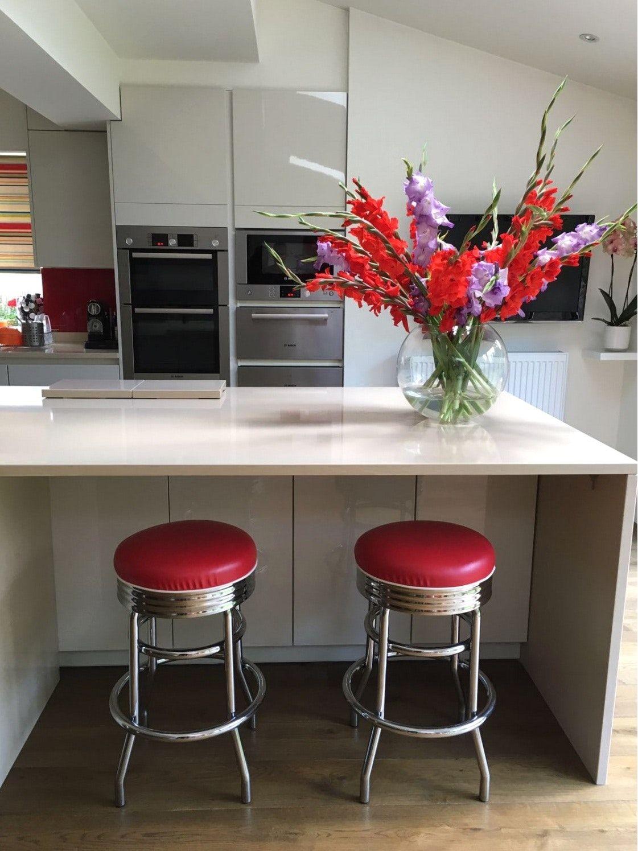 Moderne Rote Küche Bar Tresen Hocker Designs Com Mit Hocker Und Exklusiven  Ideen Auf Kategorie Leder