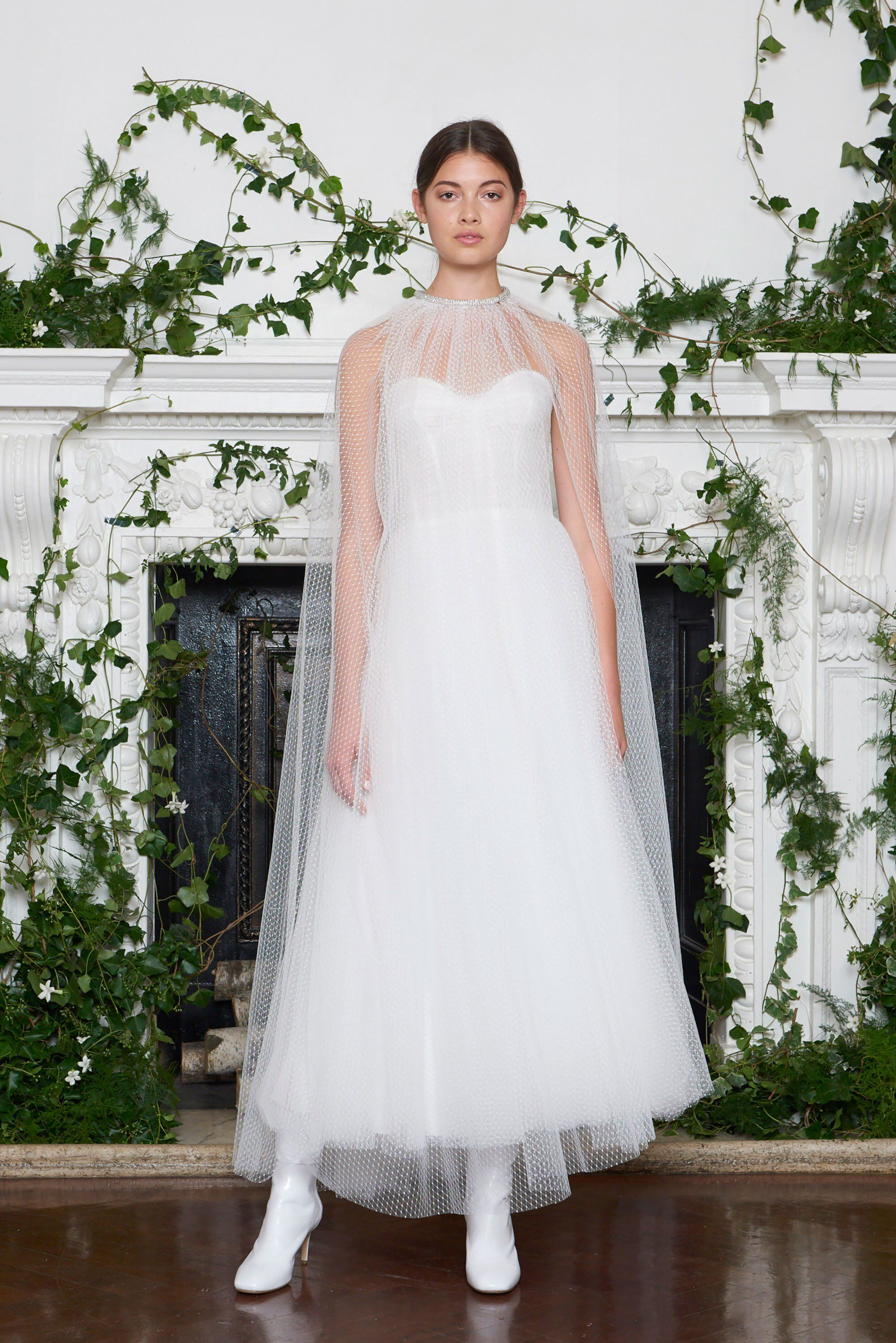 Monique lhuillier bridal fall fashion show collection see the