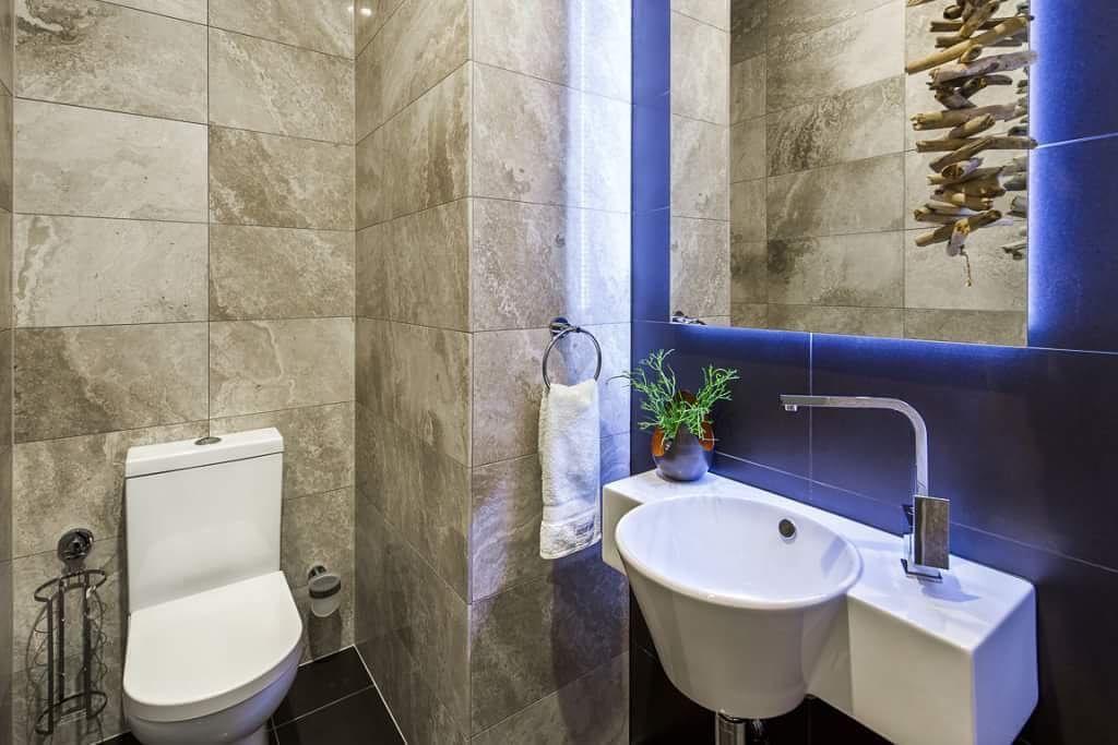 Petes Elite Tiling Featuring Italia Ceramics Travertine Tiles Italiaceramics Travertinetile Bathroom Bathroomdesign By
