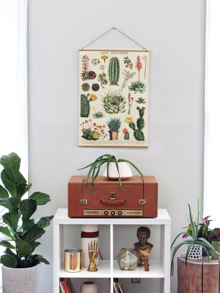 How to make a DIY hanging poster frame from wood