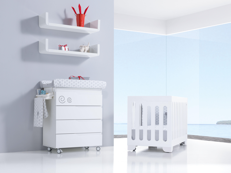 Cunas y bañeras EVOLUTIVE color blanco con detalle infantil ...