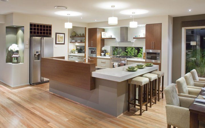 Kitchen design with butlers pantry