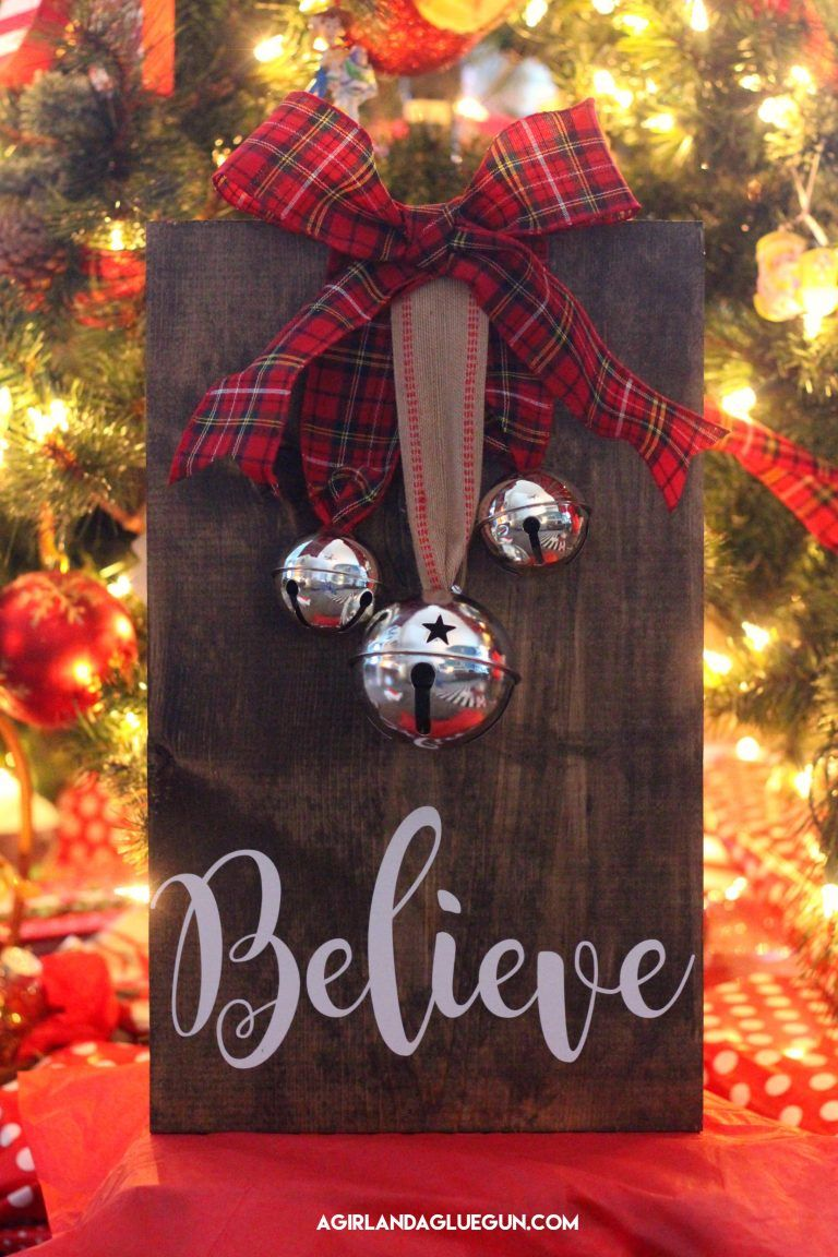 Christmas signs - A girl and a glue gun #woodcrafts