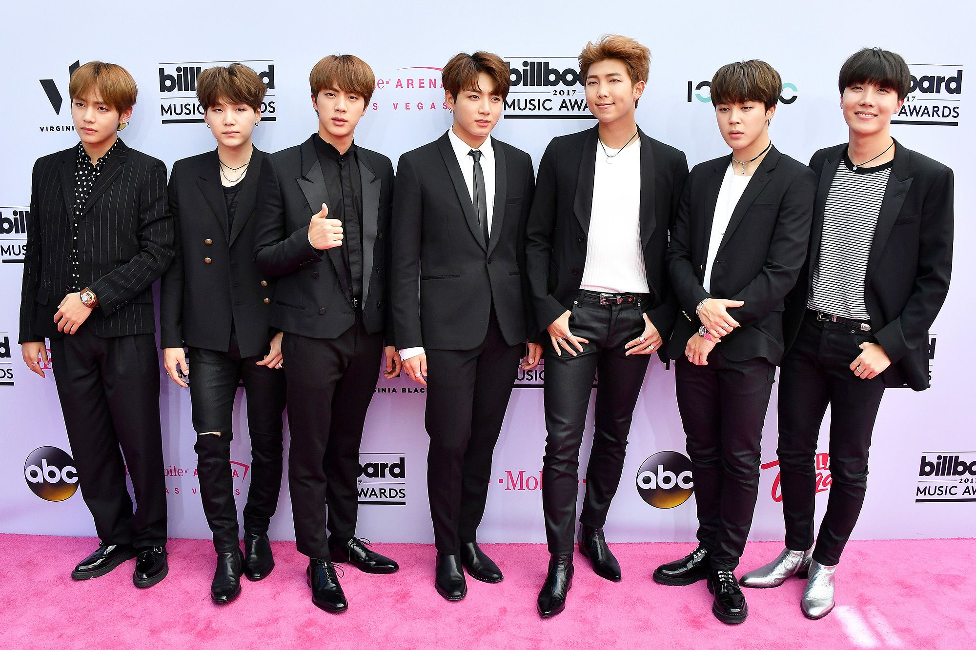 Bts 5 Things To Know About The Korean Pop Boy Band Making Their Performance Debut At The American Music Awards In 2020 Bts Billboard Music Awards Bts Billboard Billboard Music Awards 2017