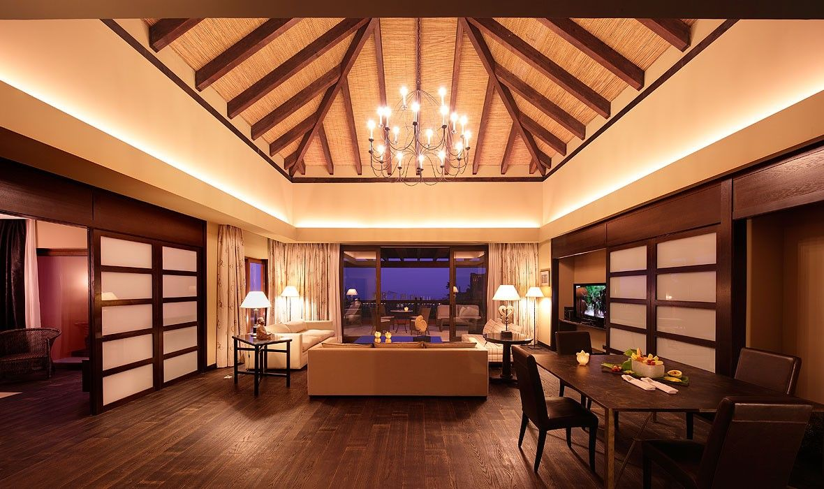 Luxury spanish holiday resorts Suite Asia Gardens