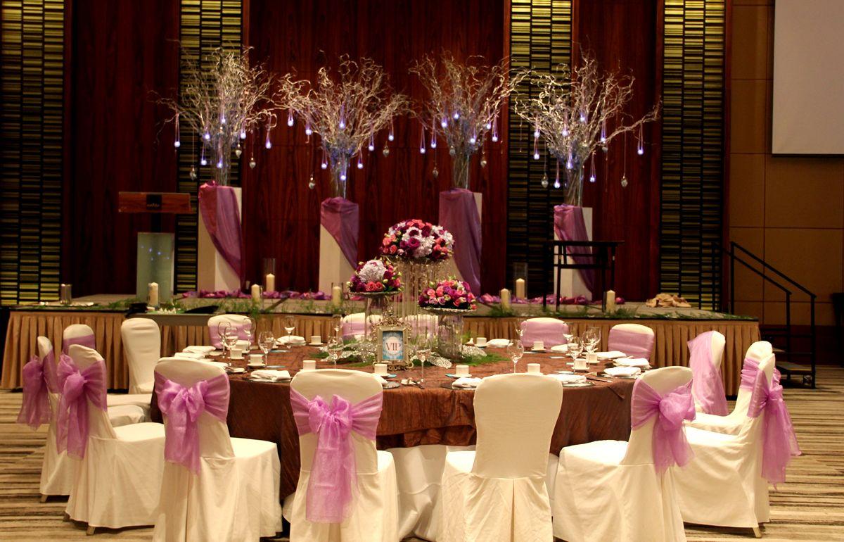Elegant Wedding table set up by Hizon's Catering ...