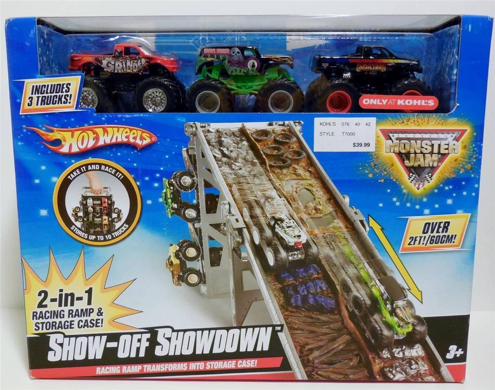 Hot Wheels Show-Off Showdown! Racing Ramp/Case 3 Trucks NEW sealed