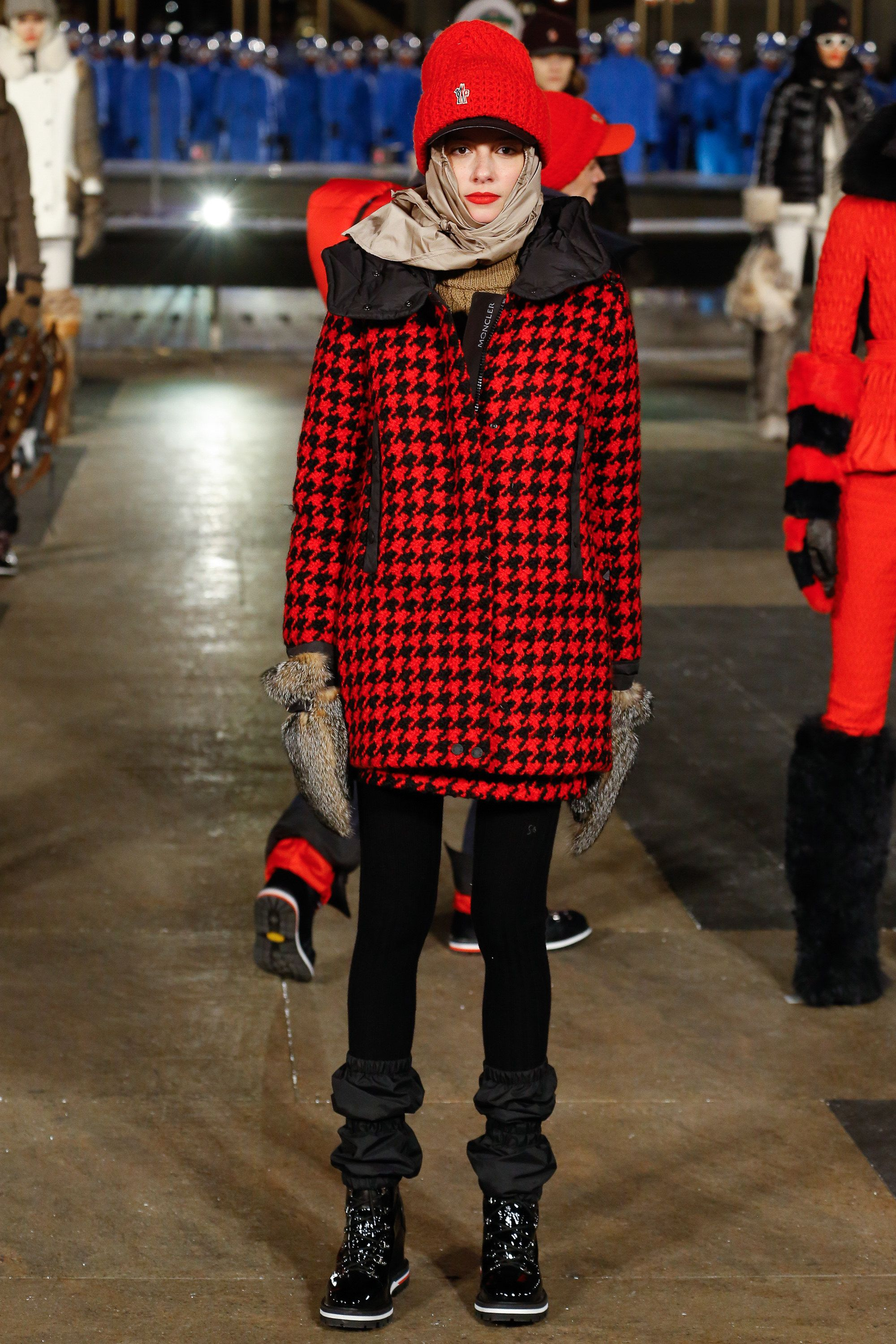 See the complete Moncler Grenoble Fall 2016 Ready-to-Wear collection ... 0933d55d61c