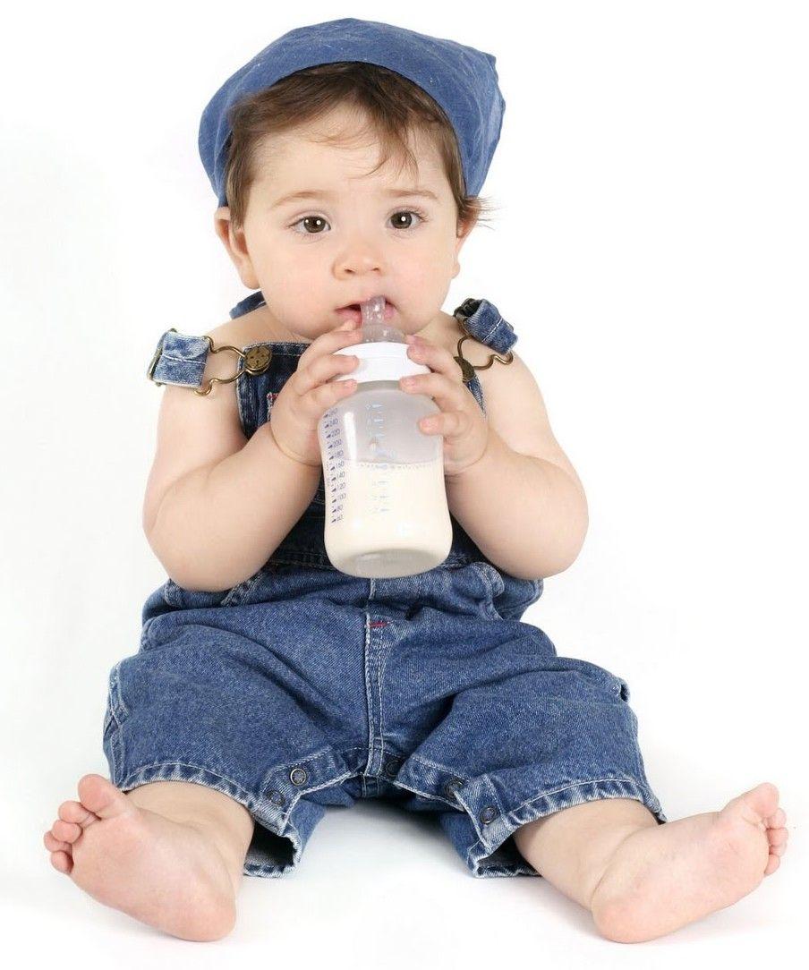 Leches maternizadas - Leches maternizadas Laleche maternizada,leche de fórmulaofórmula infantileslechedevacala cual es modificada para que puedan tomarla los bebés que no tienen acceso a la leche materna, sin significar necesariamente que sea igual o que la reemplace. Es un sustituto artificial de la leche ma... - http://bit.ly/1FT71th