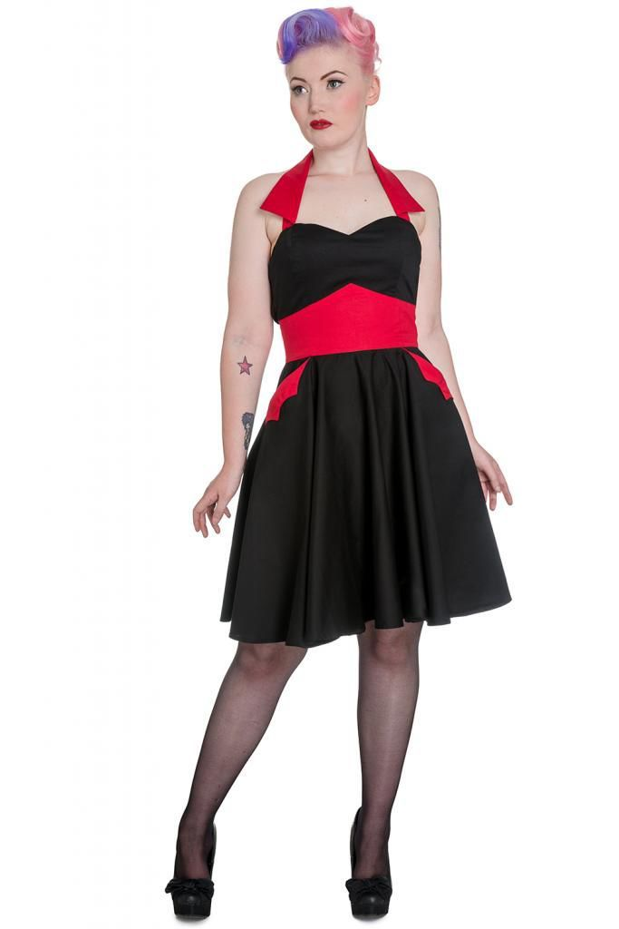 This dress is so chick! Perfect for christmas and for halloween also. ;)