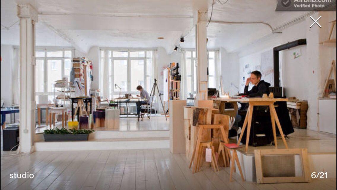 Podium. Artist loft. Berlin. Airbnb | Inspi bureaux | Pinterest | Lofts