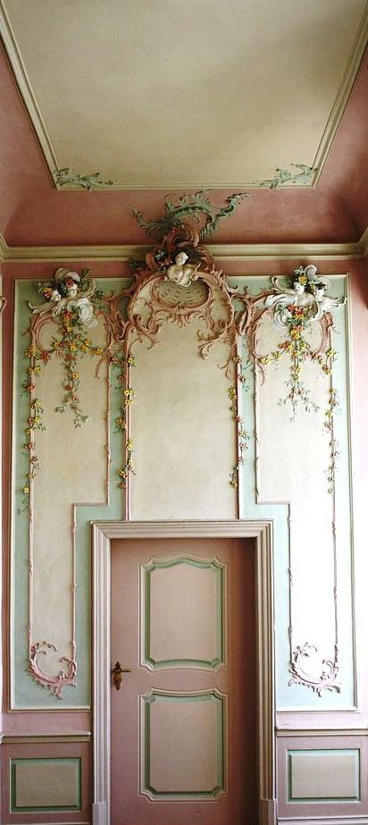 The Pink cabinet at the Engers Palace designed by Johannes Seiz, on the Rhine in Neuwied district in Rhineland-Palatinate. In the Pink Cabinet the unusual stucco is by Michael Eytel .