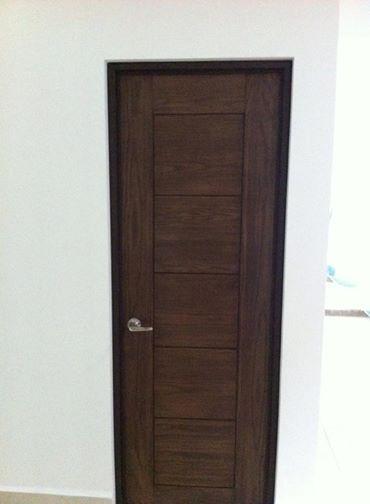 Puertas interiores de madera de encino nogal pino for Puertas de madera interiores