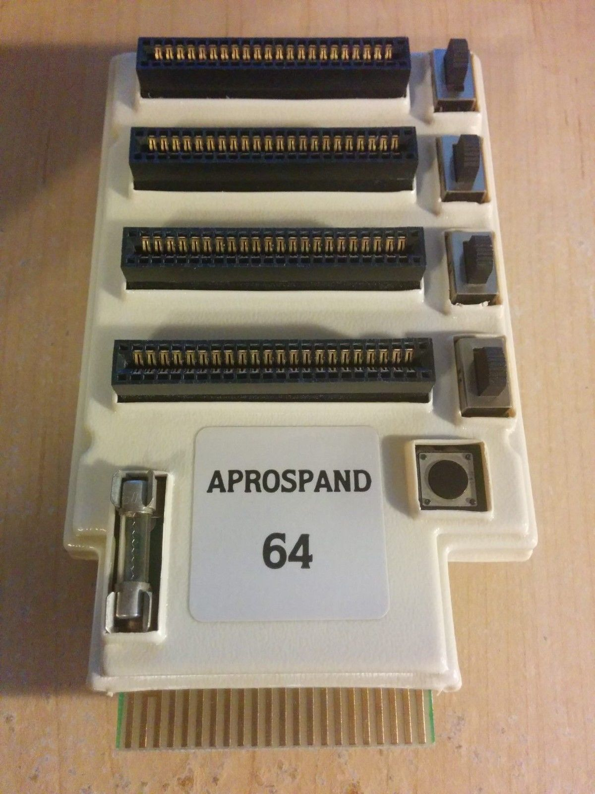 Aprospand 64 Cartridge Slot Expander for Commodore 64 128