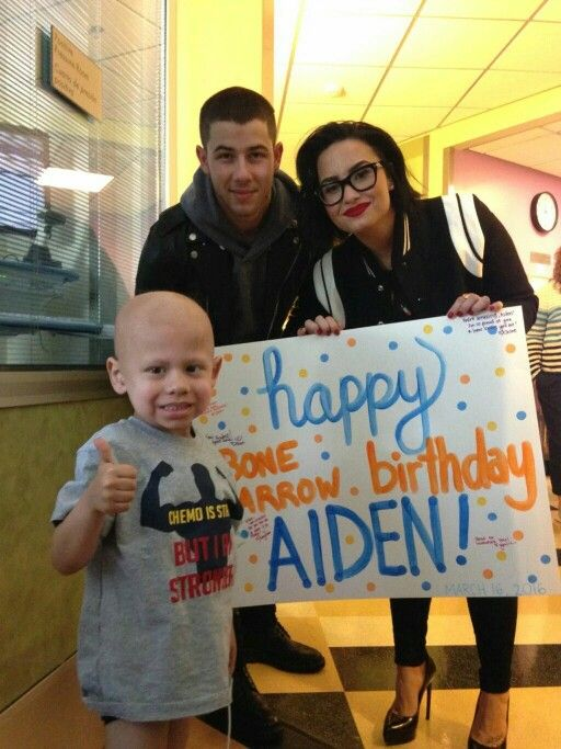 Demi and Nick at the children's hospital in LA