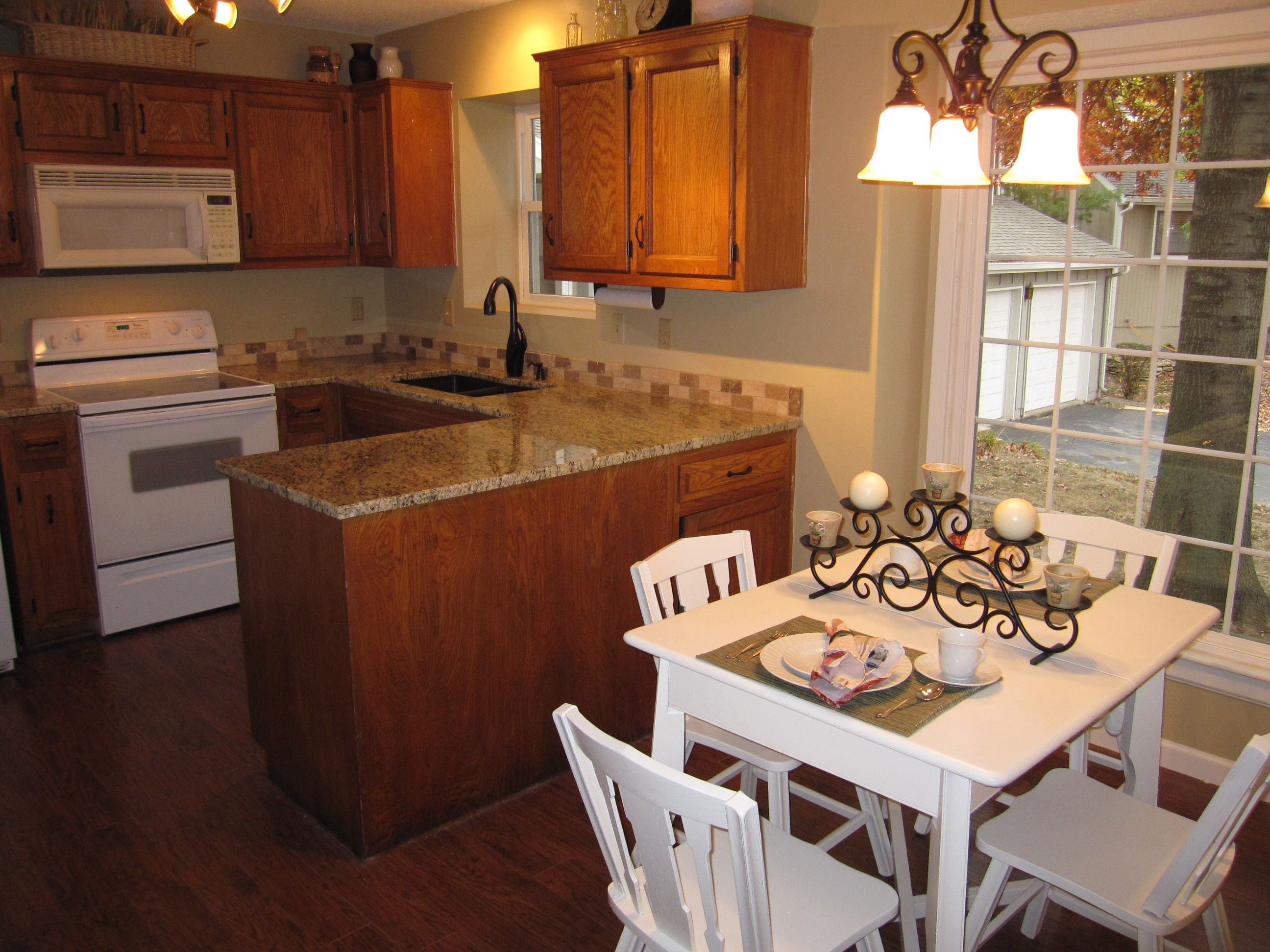 Best Cute Kitchen Table Small Kitchen Tables Kitchen Remodel 400 x 300