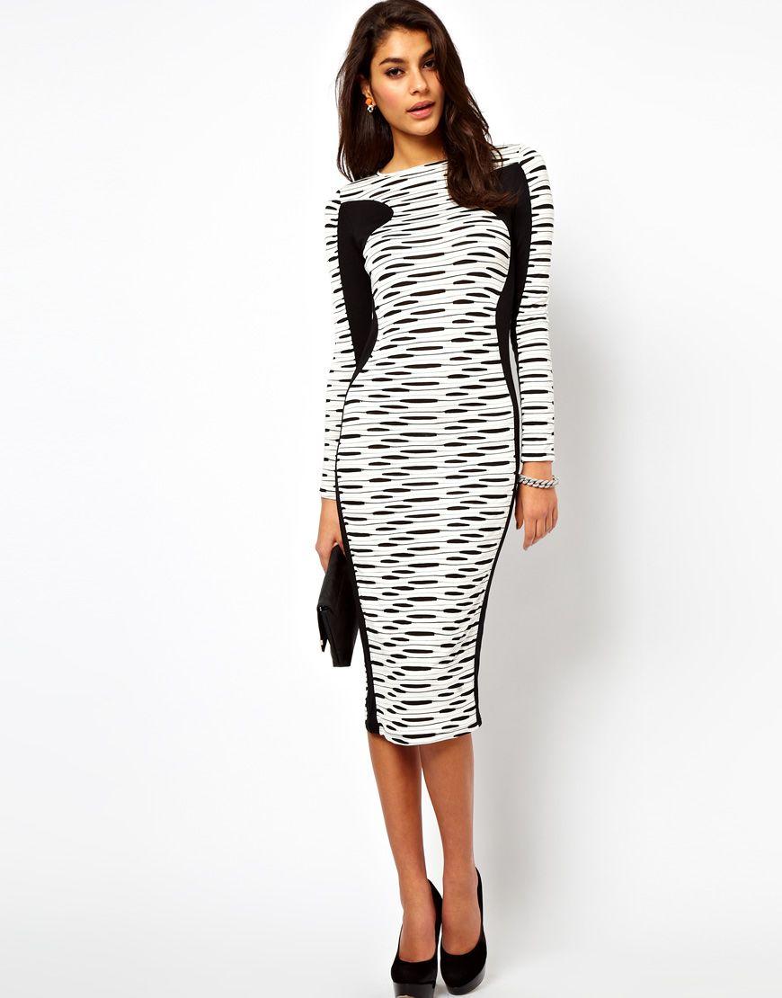 На половину черное белое платья