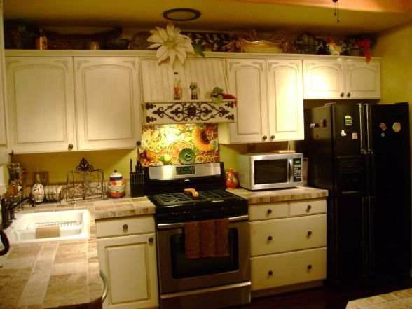Small Tuscan Kitchen On A Budget For The Home Tuscan Decorating