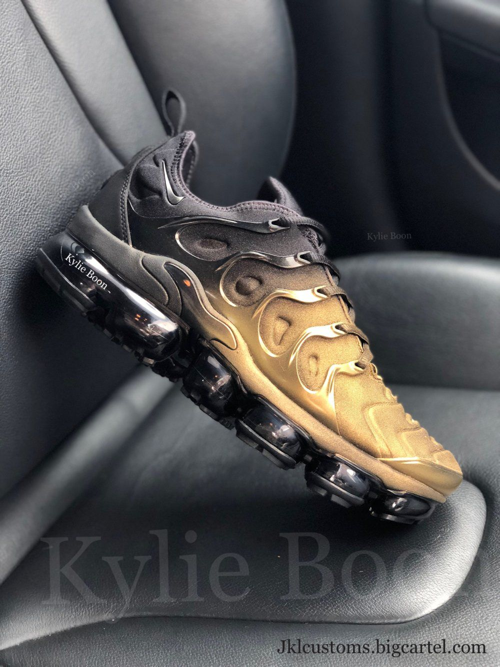 bda2f641da Image of GOLD DIPPED Nike VaporMax Plus | Fashion/shoes/handbags ...